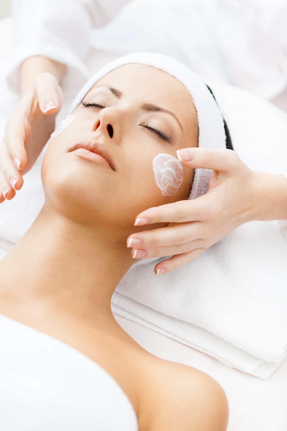 Bodyflyfrogner-hudpleie-ansiktsbehandling-velvære